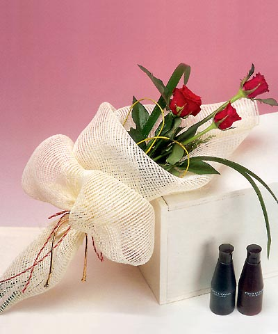 3 adet kalite gül sade ve sik halde bir tanzim  Ankara Anadolu internetten çiçek siparişi