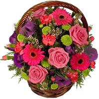 Güller ve kir çiçekleri sevilenlerin çiçegi  Ankara Anadolu anneler günü çiçek yolla