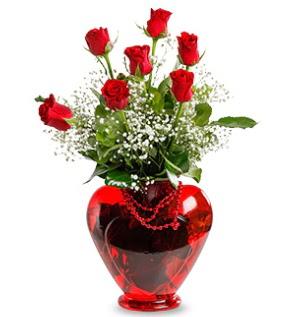 Kalp cam içinde 7 adet kırmızı gül  Ankara Anadolu çiçek siparişi sitesi