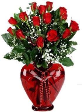 Cam kalp içerisinde 15 kırmızı gül  Ankara Anadolu anneler günü çiçek yolla