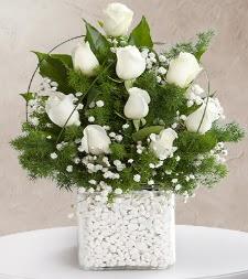 9 beyaz gül vazosu  Ankara Anadolu çiçek satışı