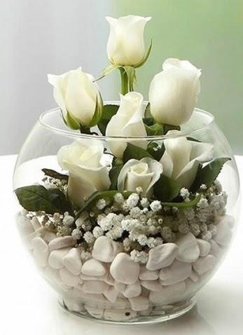 Beyaz Mutluluk 9 beyaz gül fanusta  Ankara Anadolu çiçek siparişi sitesi