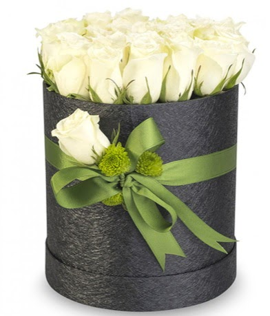 27 adet beyaz gülden görsel kutu çiçeği  Ankara Anadolu çiçekçiler