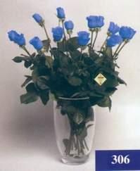 Ankara Anadolu 14 şubat sevgililer günü çiçek  mika vazo yada cam Vazoda 11 adet mavi güller