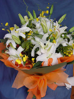Ankara Anadolu internetten çiçek satışı  5 ADET KAZABLANKA BUKETI KALITEDEN SASMAYANLARA