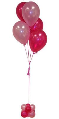 Sevdiklerinize 17 adet uçan balon demeti yollayin.  Ankara Anadolu çiçekçi mağazası
