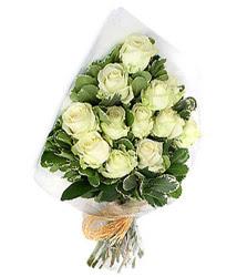 Ankara Anadolu online çiçekçi , çiçek siparişi  12 li beyaz gül buketi.