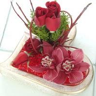 Ankara Anadolu çiçekçiler  2 kandil orkide 3 adet kirmizi gül mika kalp