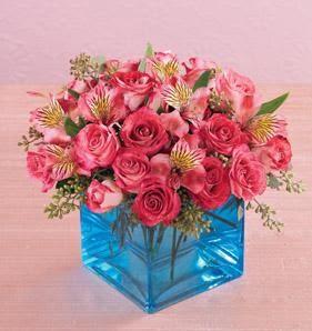Ankara Anadolu online çiçek gönderme sipariş  13 adet kirmizi gül ve cam yada mika vazo