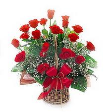 Ankara Anadolu kaliteli taze ve ucuz çiçekler  saygi duyanlara 12 adet kirmizi gül