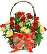 Ankara Anadolu çiçek satışı  11 sari 8 kirmizi gülden sepet tanzimi