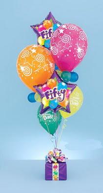 Ankara Anadolu çiçek yolla  15 adet uçan balon ve küçük kutuda çikolata