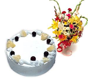 4 -6 kisilik Yaspasta ve karisik buket  Ankara Anadolu internetten çiçek satışı