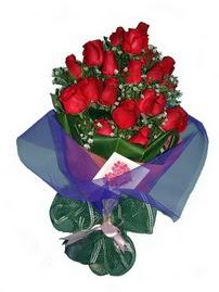 12 adet kirmizi gül buketi  Ankara Anadolu online çiçek gönderme sipariş