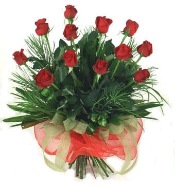 Çiçek yolla 12 adet kirmizi gül buketi  Ankara Anadolu güvenli kaliteli hızlı çiçek