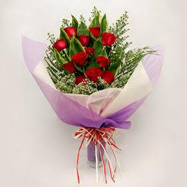 çiçekçi dükkanindan 11 adet gül buket  Ankara Anadolu çiçekçi mağazası