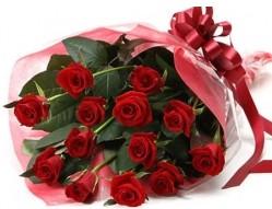 Ankara Anadolu anneler günü çiçek yolla  10 adet kipkirmizi güllerden buket tanzimi