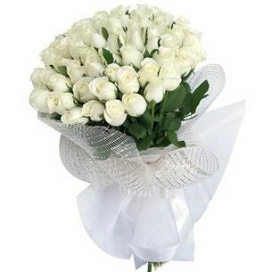 Ankara Anadolu kaliteli taze ve ucuz çiçekler  51 adet beyaz gülden buket tanzimi