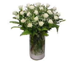 Ankara Anadolu yurtiçi ve yurtdışı çiçek siparişi  cam yada mika Vazoda 12 adet beyaz gül - sevenler için ideal seçim