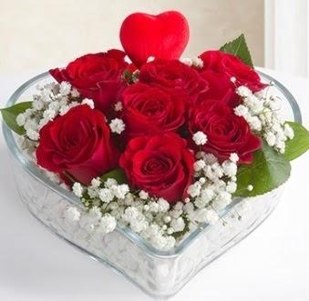 Kalp içerisinde 7 kırmızı gül kalp çubuk  Ankara Anadolu çiçek gönderme sitemiz güvenlidir