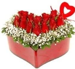 Kalp içerisinde 9 kırmızı gül kalp çubuk  Ankara Anadolu internetten çiçek siparişi