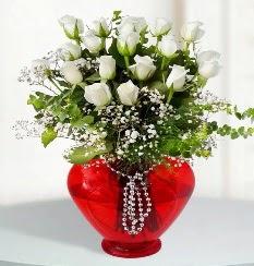cam kalp içerisinde 12 adet beyaz gül  Ankara Anadolu online çiçek gönderme sipariş