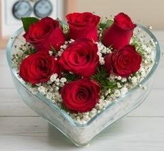 Kalp içerisinde 7 adet kırmızı gül  Ankara Anadolu çiçek gönderme sitemiz güvenlidir