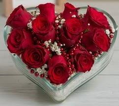 Kalp içerisinde 7 adet kırmızı gül  Ankara Anadolu çiçekçi telefonları