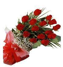 15 kırmızı gül buketi sevgiliye özel  Ankara Anadolu çiçek gönderme sitemiz güvenlidir