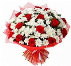 11 adet kırmızı gül ve 1 demet krizantem  Ankara Anadolu çiçek mağazası , çiçekçi adresleri