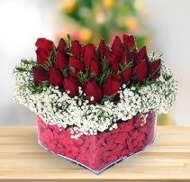 15 kırmızı gülden kalp mika çiçeği  Ankara Anadolu çiçek satışı