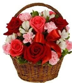 Ankara Anadolu internetten çiçek satışı  sepette güller ve kır çiçekleri