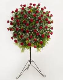 71 adet kırmızı gülden ferförje çiçeği  Ankara Anadolu çiçekçi mağazası