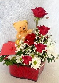 Mika kalp 5 Kırmızı gül ayıcık ve krizantem  Ankara Anadolu Anadolu İnternetten çiçek siparişi