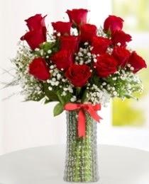 10 kırmızı gül cam vazo içerisinde  Ankara Anadolu hediye çiçek yolla