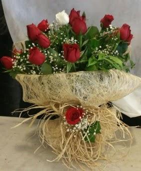 Kız isteme çiçeği 20 kırmızı 1 beyaz  Ankara Anadolu çiçek siparişi sitesi