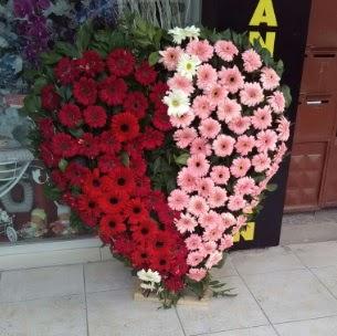 Kalp pano kalp şeklinde pano çiçeği  Ankara Anadolu çiçek siparişi sitesi