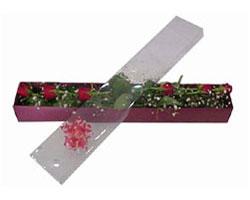Ankara Anadolu anneler günü çiçek yolla   6 adet kirmizi gül kutu içinde