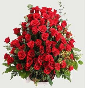 Kız isteme söz nişan çiçek sepeti 101 gül  Ankara Anadolu çiçek gönderme sitemiz güvenlidir