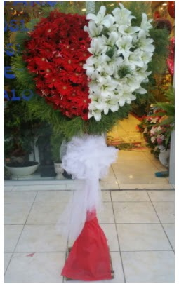 Özel üstü özel kalp çiçek tanzimi  Ankara Anadolu çiçek gönderme sitemiz güvenlidir