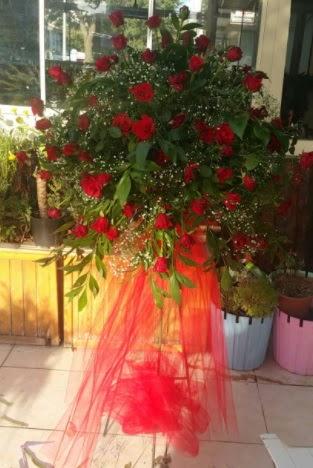 71 adet kırmızı gülden ferförje çiçeği  Ankara Anadolu çiçek satışı