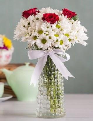 Papatya Ve Güllerin Uyumu camda  Ankara Anadolu çiçek gönderme sitemiz güvenlidir