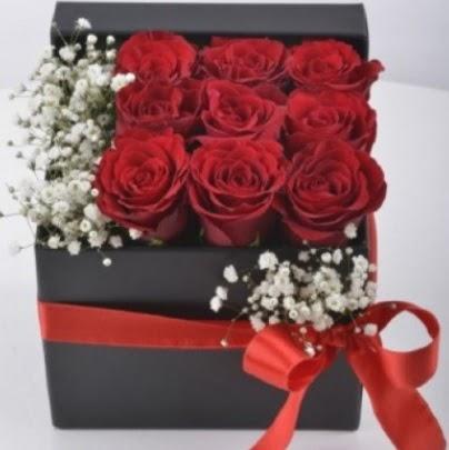 Kutu içerisinde 9 adet kırmızı gül  Ankara Anadolu çiçek siparişi sitesi