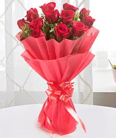 12 adet kırmızı gülden modern buket  Ankara Anadolu çiçek yolla