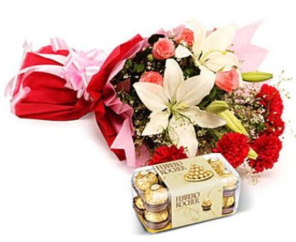 Karışık buket ve kutu çikolata  Ankara Anadolu çiçek , çiçekçi , çiçekçilik