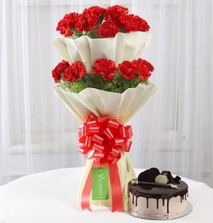 20 adet kırmızı karanfil buketi ve yaş pasta  Ankara Anadolu çiçek gönderme sitemiz güvenlidir