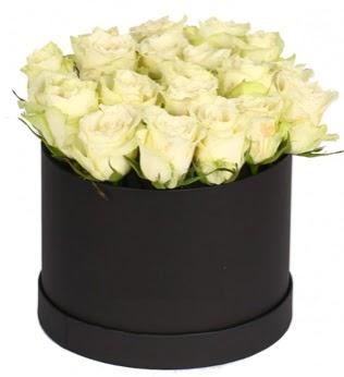 19 adet beyaz gülden görsel kutu çiçeği  Ankara Anadolu çiçek siparişi sitesi