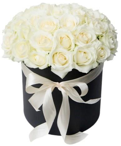41 adet beyaz gül kutuda söz  Ankara Anadolu çiçek satışı  süper görüntü